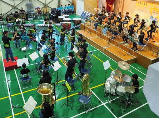 第33回「親子ふれあいコンサート」(南月寒小学校吹奏楽部の発表 ...